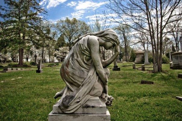 Bonaventure-Cemetery-sculpture